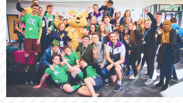 Students with Pudsy Bear