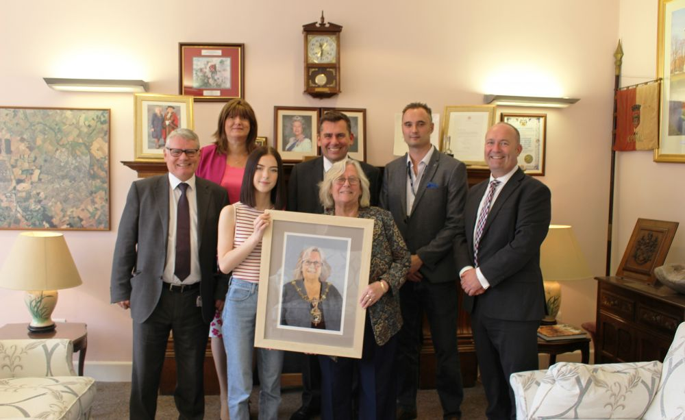 Mayor portrait by Loughborough College student officially unveiled