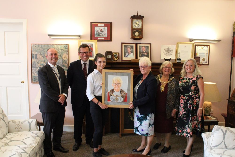 Official unveiling for Mayor portrait by Loughborough College student