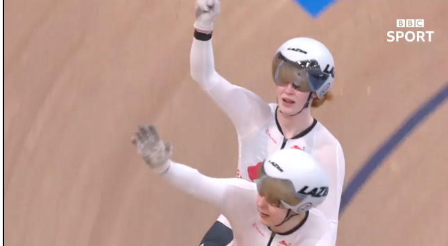Commonwealth Games 2018: England cyclist Sophie Thornhill claims gold