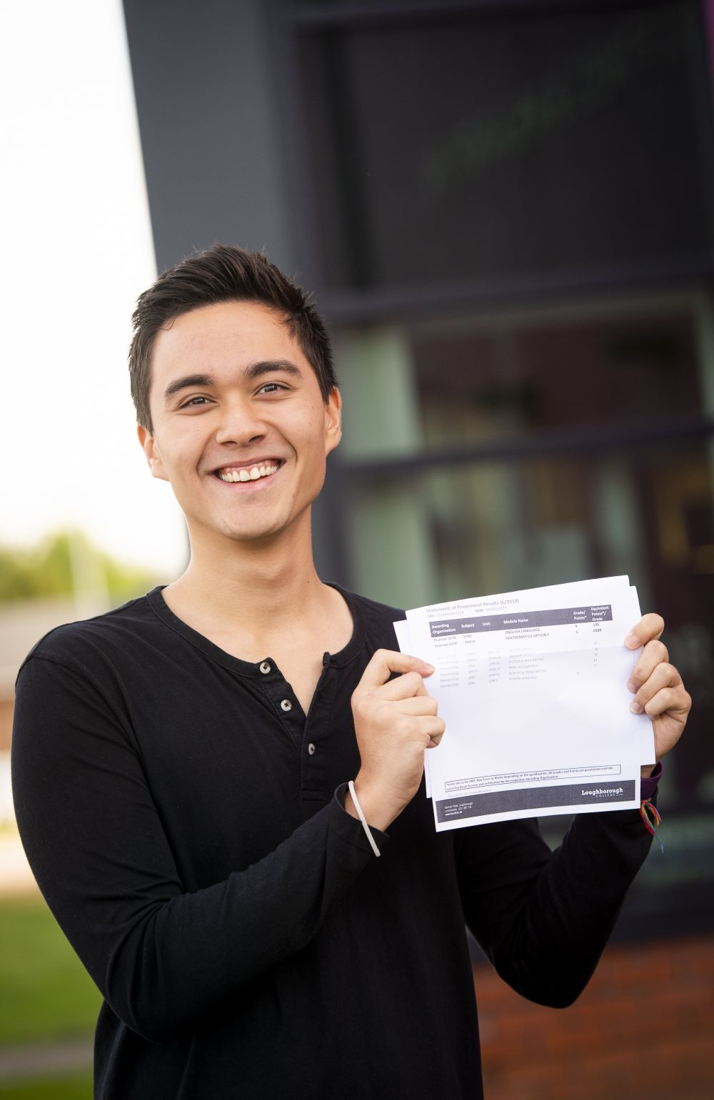 Top grade in GCSE English for Loughborough College student Cole